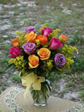 Картинки Розы Букеты Ваза Бантик Цветы