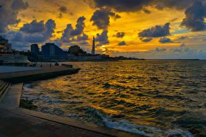 Картинка Россия Крым Вечер Море Здания Небо Sevastopol Города