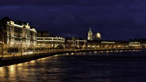 Картинки Россия Санкт-Петербург Здания Реки В ночи Уличные фонари Embankment of Makarova Города