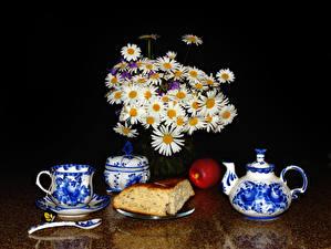 Фотография Натюрморт Букеты Ромашки Чайник Выпечка Яблоки Чашка Пища Цветы