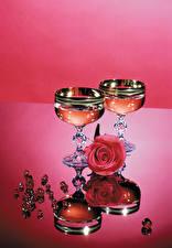 Обои Натюрморт Розы Шампанское Украшения Бокалы Двое Цветы Еда