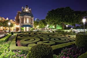 Фотографии США Диснейленд Парки Дома Калифорния Анахайм Дизайн Ночь Кусты Уличные фонари HDRI Города