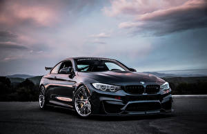 Фото BMW 2015-16 RevoZport M4 Coupe Машины