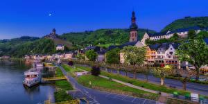 Картинка Кохем Германия Здания Речка Причалы Вечер Улица Города