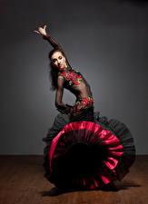 Обои Платье Танцуют Девушки
