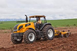 Картинки Поля Сельскохозяйственная техника Трактор 2013-17 Valtra BH135i