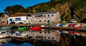 Картинки Франция Здания Речка Пирсы Лодки Groix Brittany Города