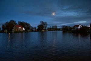 Картинки Нидерланды Дома Реки Вечер Spijkerboor Города