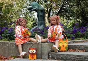 Картинка Парк Скульптура Куклы Двое Девочка Grugapark Essen