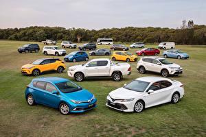 Фотография Toyota Много Машины