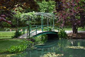 Картинки США Сады Пруд Мосты Gibbs Gardens