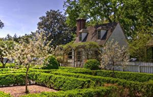 Картинки Штаты Здания Сады Цветущие деревья HDRI Кусты Williamsburg Virginia Природа