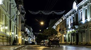 Фотография Украина Здания Улица Ночные Уличные фонари Карета Chernivtsi Chernivtsi Oblast Города