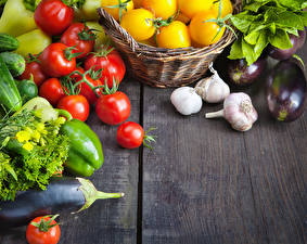 Фотографии Овощи Томаты Баклажан Чеснок Перец Доски Пища