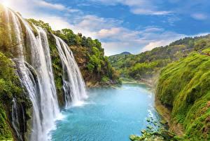 Обои Водопады Пейзаж Речка Утес