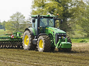 Фотографии Сельскохозяйственная техника Трактор 2009-13 John Deere 8245R