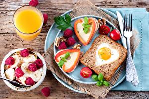 Фото Хлеб Сок Бутерброды Мюсли Малина Помидоры Завтрак Тарелка Яичница Стакан
