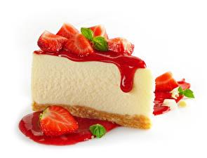 Обои Пирожное Клубника Сладости Повидло Белом фоне Пища