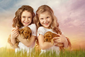 Фотография Собаки Вдвоем Девочки Улыбка Щенок Взгляд Дети