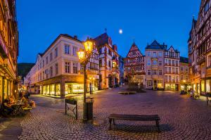 Обои Германия Здания Вечер Улица Уличные фонари Скамья Bernkastel