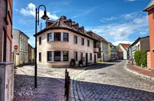 Фотографии Германия Здания Дороги Улица Уличные фонари Barth