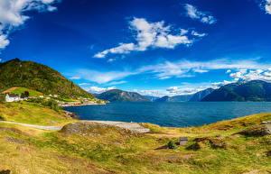Фото Исландия Пейзаж Дома Река Небо Холмов Природа