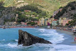 Картинки Италия Чинкве-Терре парк Дома Пляжи Утес Monterosso