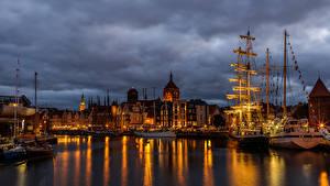 Обои Польша Гданьск Дома Причалы Корабли Парусные Вечер Залив Города