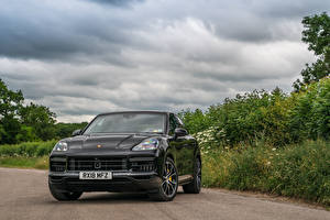 Обои Porsche Серая Металлик Спереди 2018 Cayenne Turbo авто