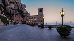 Фотография Испания Вечер Здания Уличные фонари Montserrat Catalonia