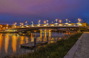 Фотографии Испания Речка Мосты Пристань Ночные Уличные фонари Penalosa Andalusia Города