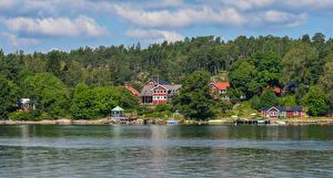 Обои Швеция Дома Речка Леса Пирсы Vaxholm Города