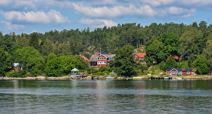 Обои Швеция Дома Речка Леса Пирсы Vaxholm
