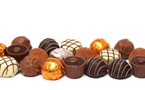 Картинки Сладости Конфеты Шоколад Белом фоне Еда