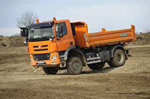 Фотография Грузовики Оранжевый 2014-18 Tatra Phoenix T158-8P6R23 4×4.2 Dump Truck