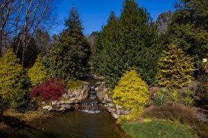 Фото США Сады Водопады Камень Кусты Деревья Gibbs Gardens