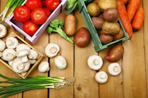 Картинка Овощи Картошка Грибы Томаты Морковь Доски