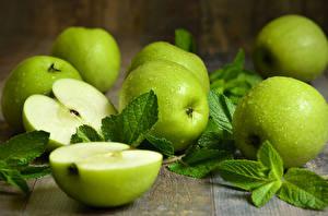 Картинка Яблоки Зеленый Листва Продукты питания