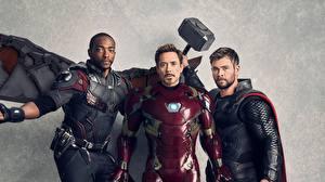 Картинка Мстители: Война бесконечности Железный человек герой Тор герой Robert Downey Jr Chris Hemsworth Мужчины Anthony Mackie Фильмы Знаменитости