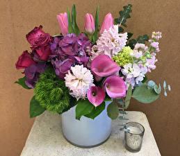Фото Свечи Букеты Розы Гортензия Тюльпаны Белокрыльник Маттиола Цветы