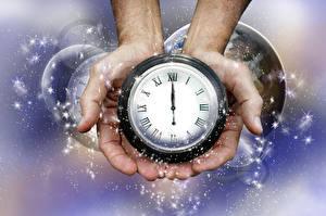 Фотография Часы Новый год Руки Снежинки