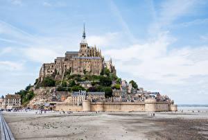 Картинка Франция Здания Крепость Холмы Mont Saint Michel Города