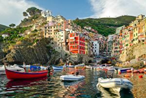 Картинка Дома Лодки Италия Бухта Riomaggiore
