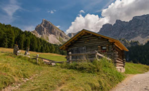 Картинка Италия Здания Гора Леса Альп Трава Природа