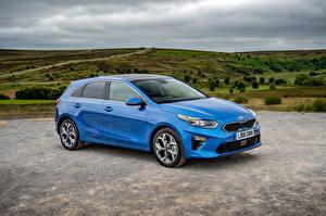 Фотографии Киа Голубой Металлик 2018 Ceed First Edition Автомобили