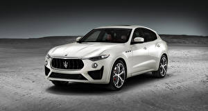 Картинки Maserati Белый Металлик 2018 Levante GTS Worldwide Автомобили