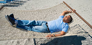 Картинки Мужчины Гамак Спящий