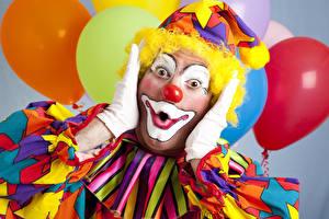 Фотография Мужчины Праздники Униформе Клоуна Руки Взгляд Удивление