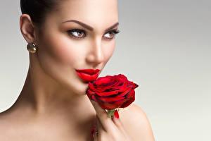 Фото Розы Лицо Красные губы Взгляд Девушки