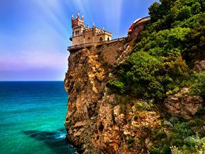 Картинки Россия Крым Замки Море Скале Castle Swallow город